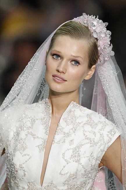 Top Luxury Wedding Dress : Top paris haute couture wedding dresses mayfair luxury weddings veil