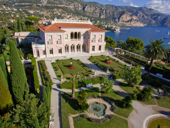 The Luxurious Destination Collection - By The Sea Villa