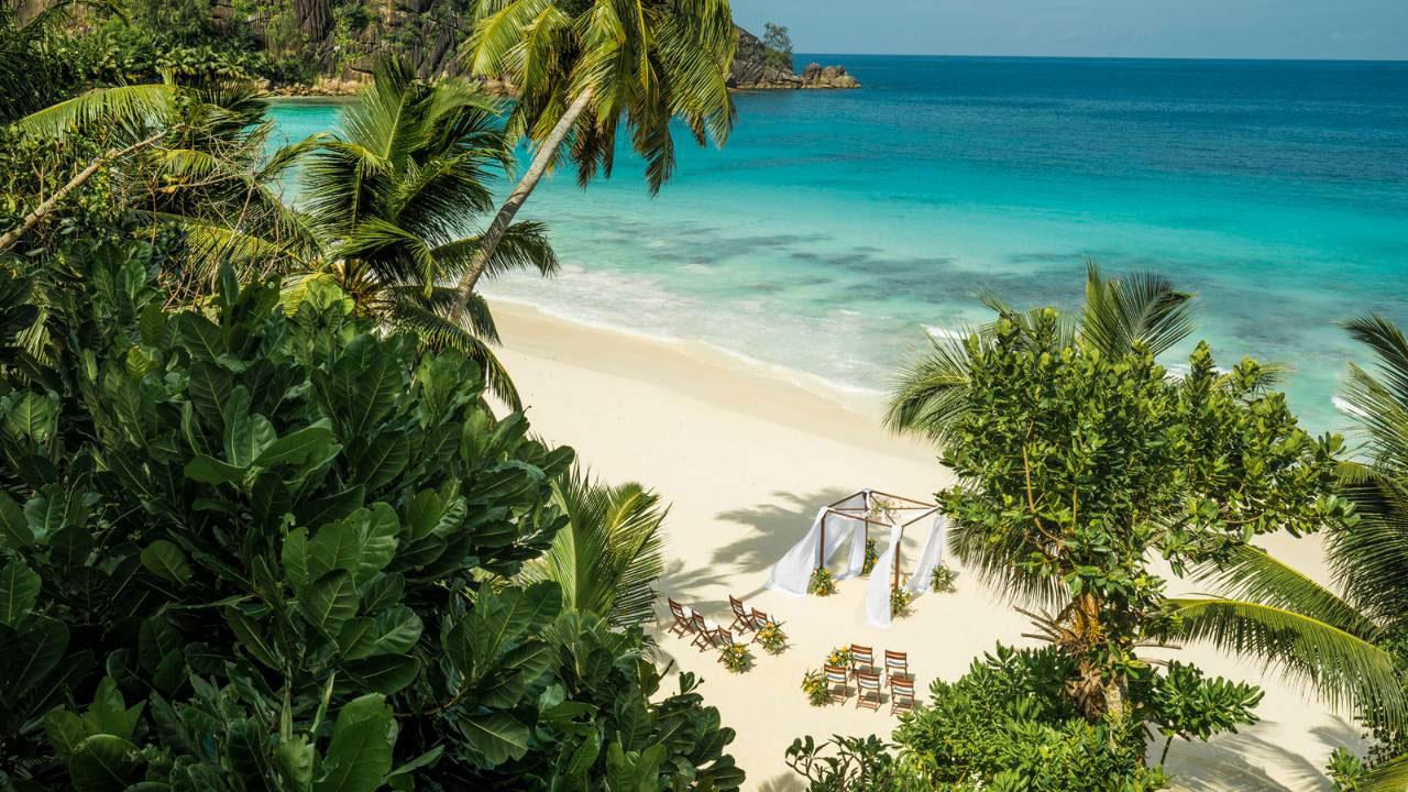 Luxury honeymoon venue - By The Sea - Seychelles