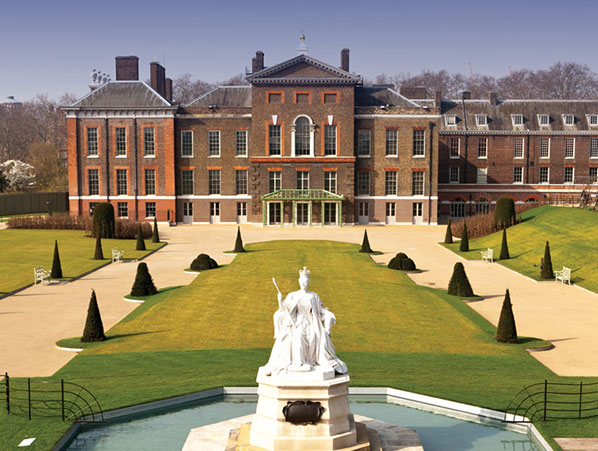 In the Country - Stylish Royal Palace